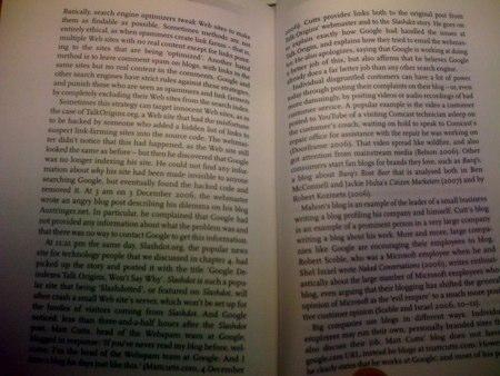 Det er ikke så lett å se, men boken er kompakt og med veldig få illustrasjoner og bilder