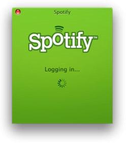 Spotify klienten logger seg opp mot en konto i skyen